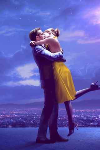 唯美夜空下亲吻的恋人手机壁纸