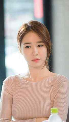 韩国气质美女刘仁