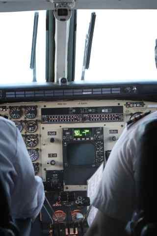 飞机控制室高清手机背景图片