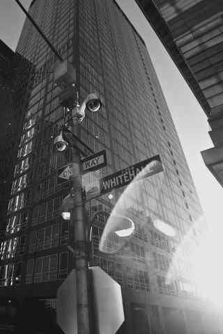 黑白的高楼建筑手机壁纸