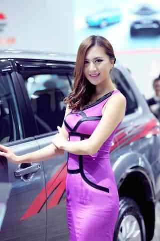 长沙车展紫色裙打