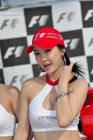 F1赛车上的车模 百花盛开