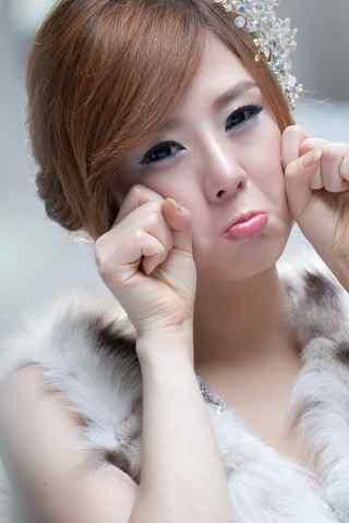 韩国美女车模李智