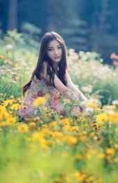 花中 花中清新美女高清手机壁纸