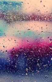 雨水打湿玻璃手机