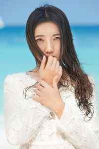 夏季清凉海边白衣长发美女清纯写真高清手机壁纸