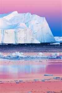 冰山粉色凉意高清手机桌面壁纸