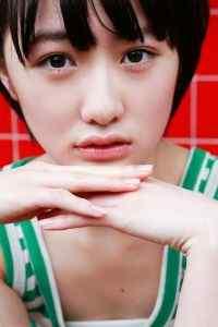 日本短发少女工藤遥清纯图片高清手机壁纸下载