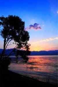 云南大理洱海边落日唯美风景手机壁纸