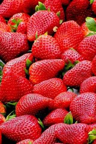 甜美可口的草莓高清手机壁纸