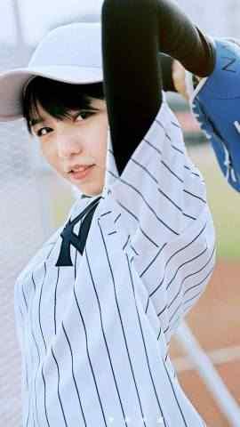 青春靓丽的棒球少