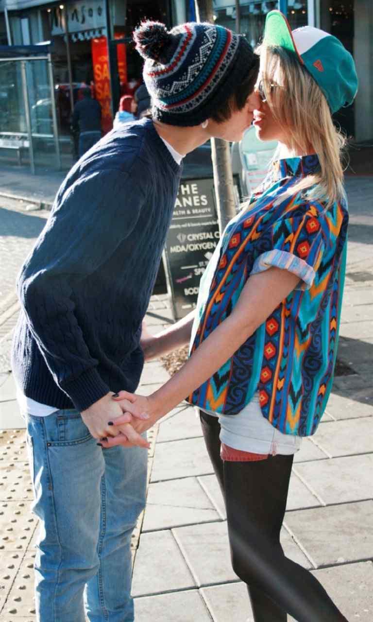 浪漫情人节情侣图片高清手机壁纸图片