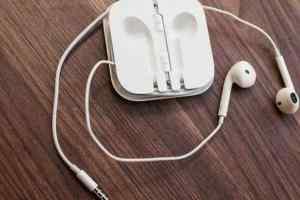 iPhone7无线耳机采用自有通信技术放弃主流蓝牙