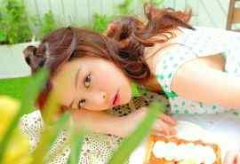 日系甜美少女室內