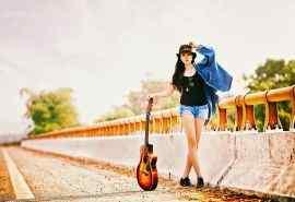 美女与吉他音乐结
