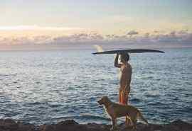 海边的冲浪者电脑桌面壁纸图片下载