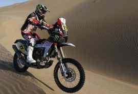 沙漠越野摩托体育