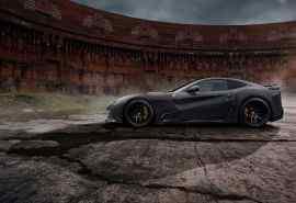 法拉利F12黑色跑