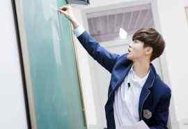 《我去上学啦》鹿晗图片桌面壁纸
