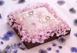 七夕鲜花装饰桌面