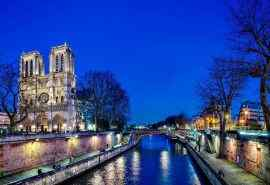 夜晚美景巴黎圣母