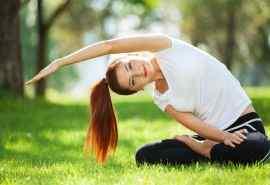 瑜伽美女室外运动