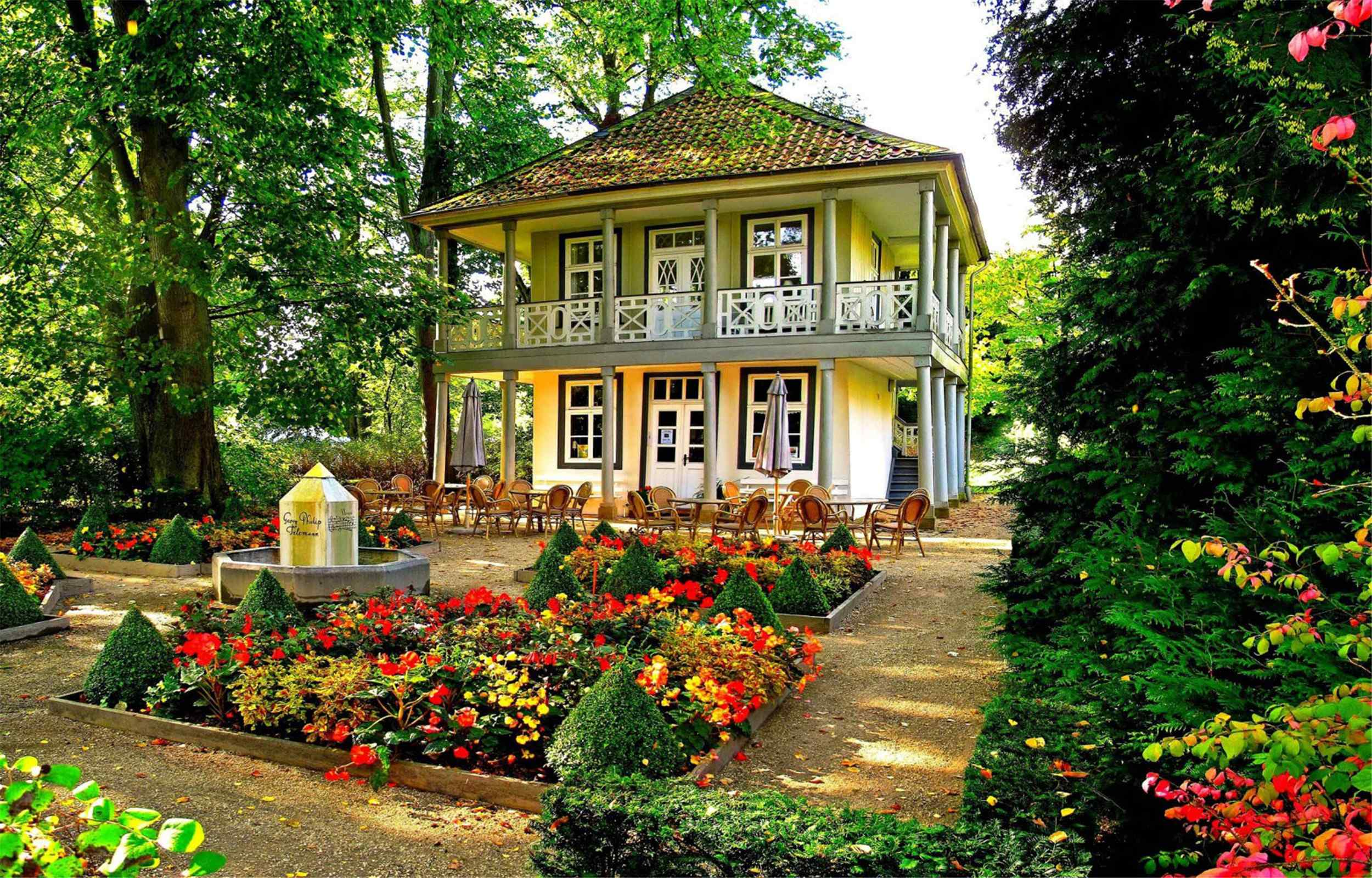 唯美别墅花园风光高清电脑壁纸图片下载
