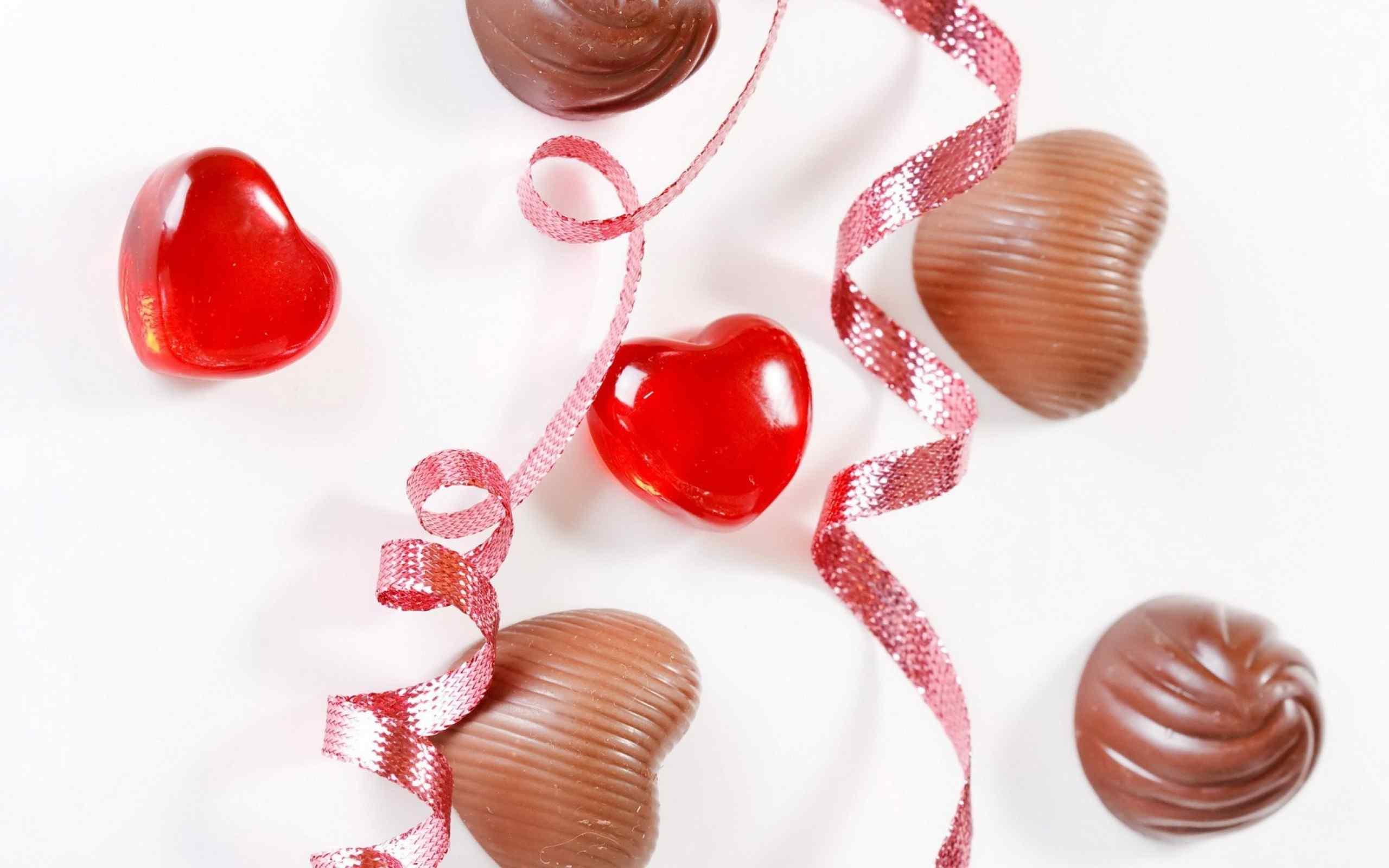 酒心巧克力糖果桌面壁纸下载
