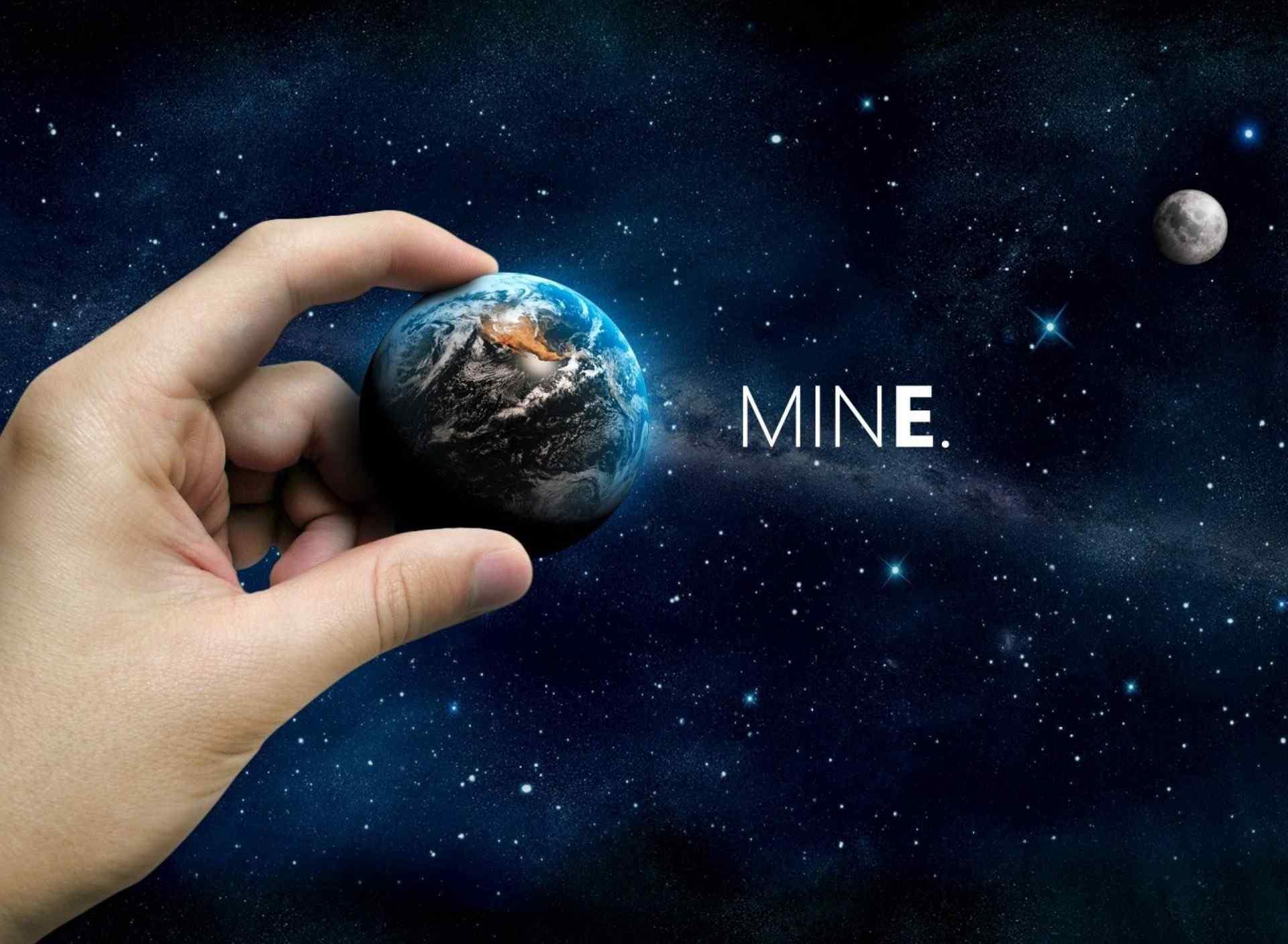 手中的地球创意设计桌面壁纸下载