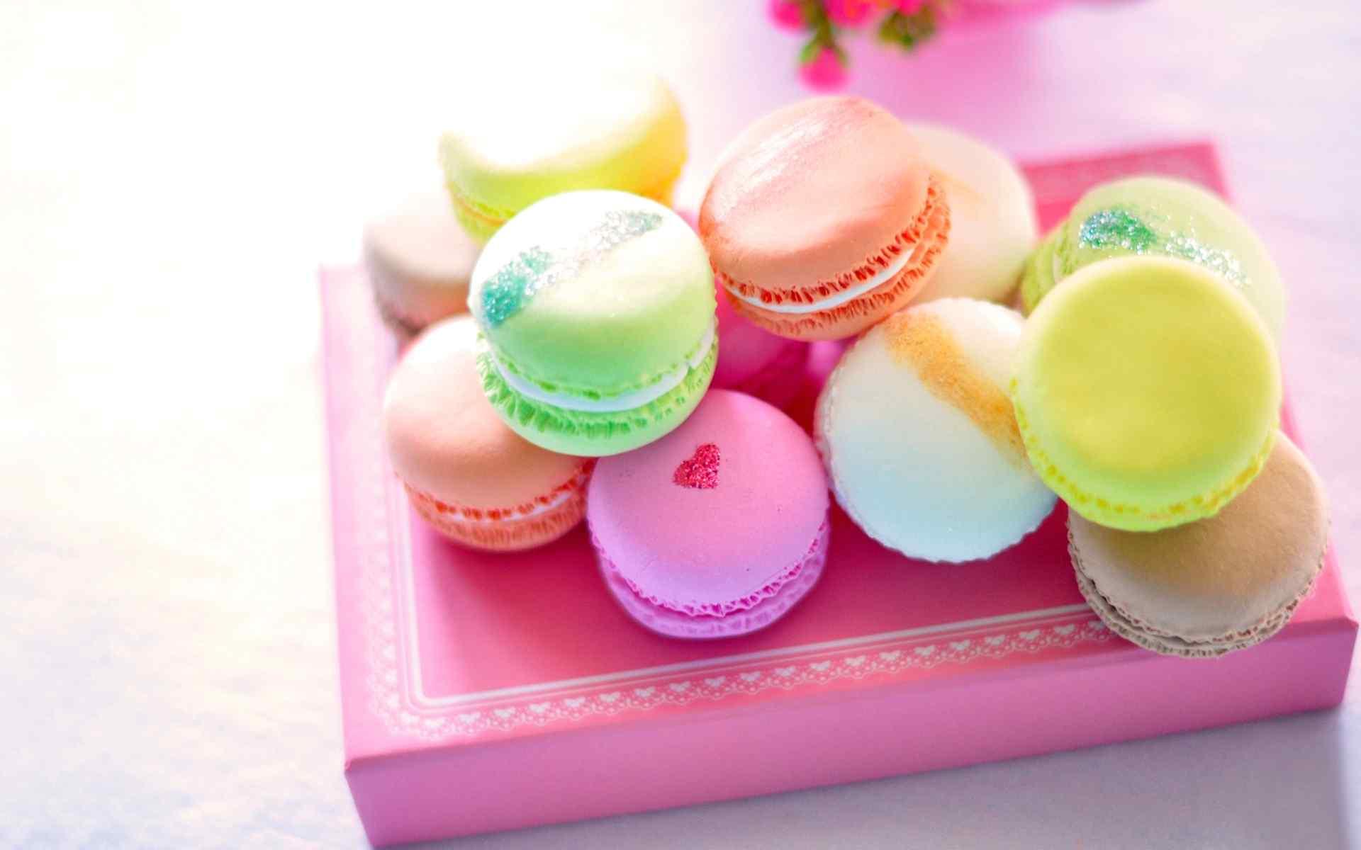 法国甜点五彩马卡龙蛋糕桌面壁纸