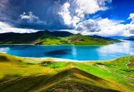 西藏羊卓雍措唯美