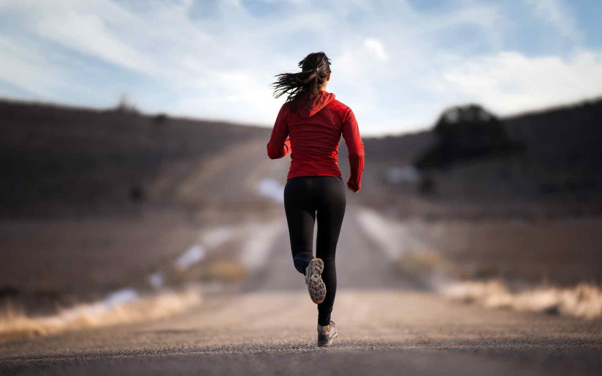 跑步锻炼运动美女高清电脑桌面壁纸