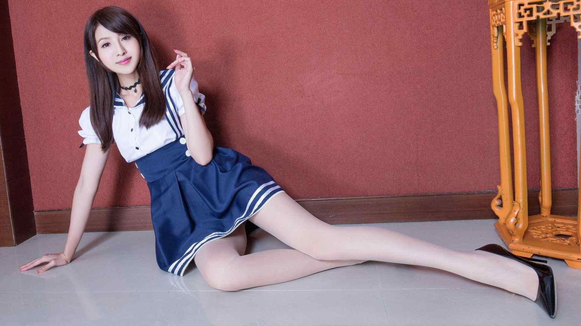 腿模Vicni水手学生制服美腿写真高清壁纸