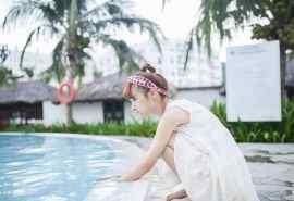 清纯白裙少女高清写真桌面壁纸图集