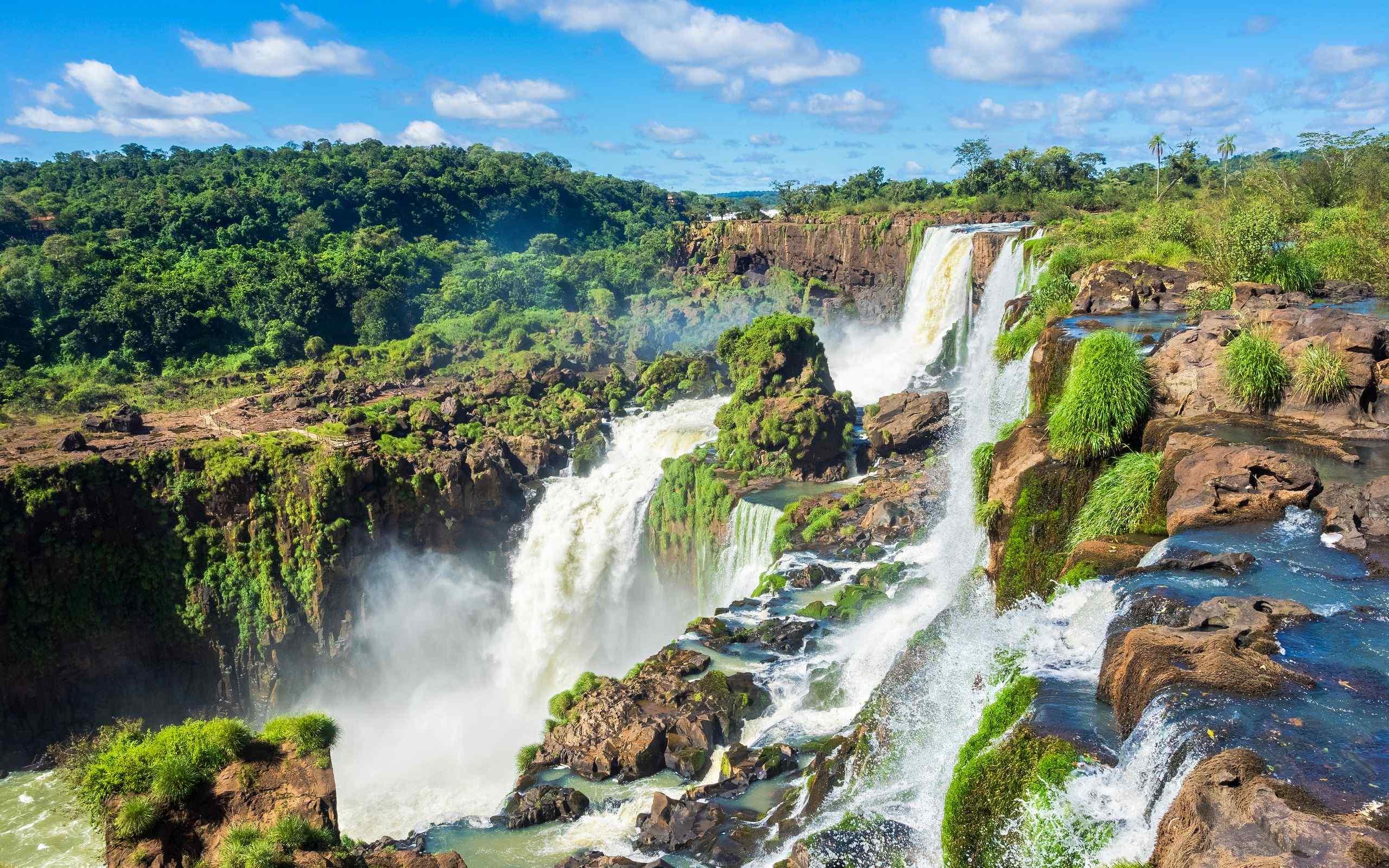 壮观的瀑布风景桌面壁纸图片