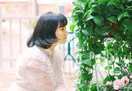 短发少女甜美日系风格写真高清电脑壁纸