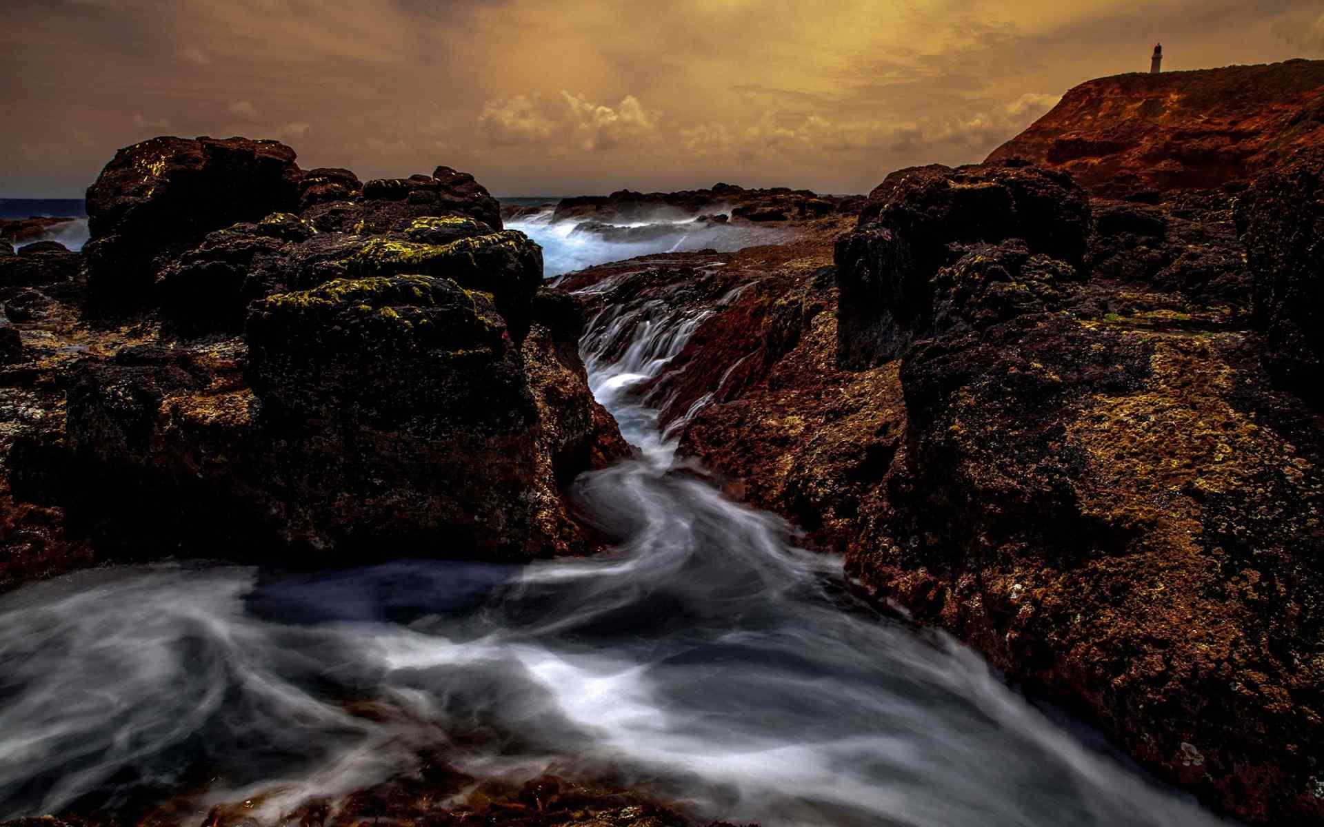 澳门云鼎:海水涨潮壮观风景桌面壁纸