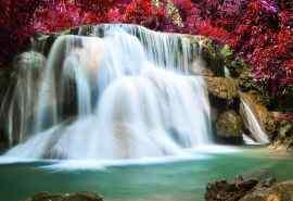 泰国通塞美丽的瀑
