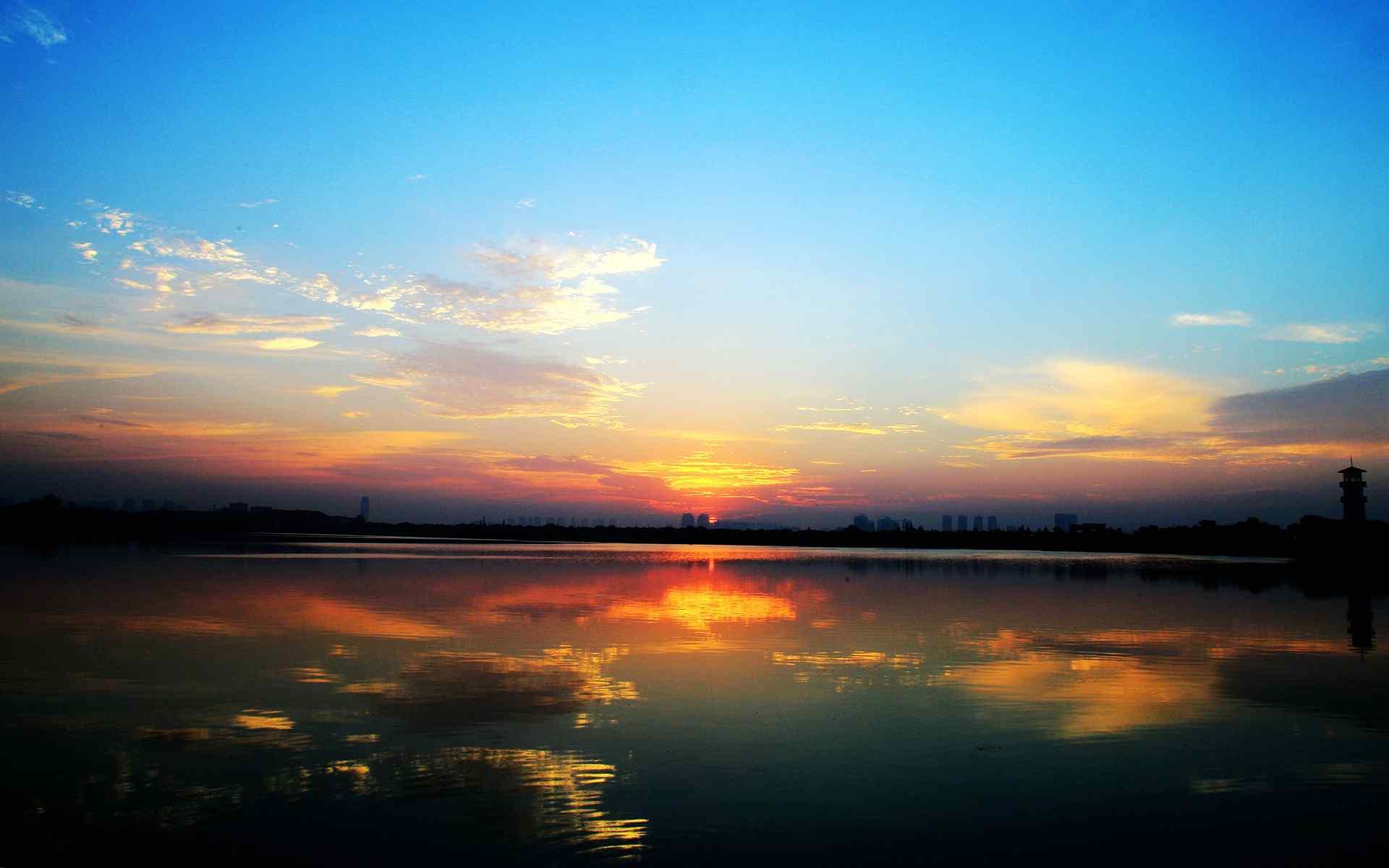 汤逊湖畔日出风景唯美高清电脑壁纸