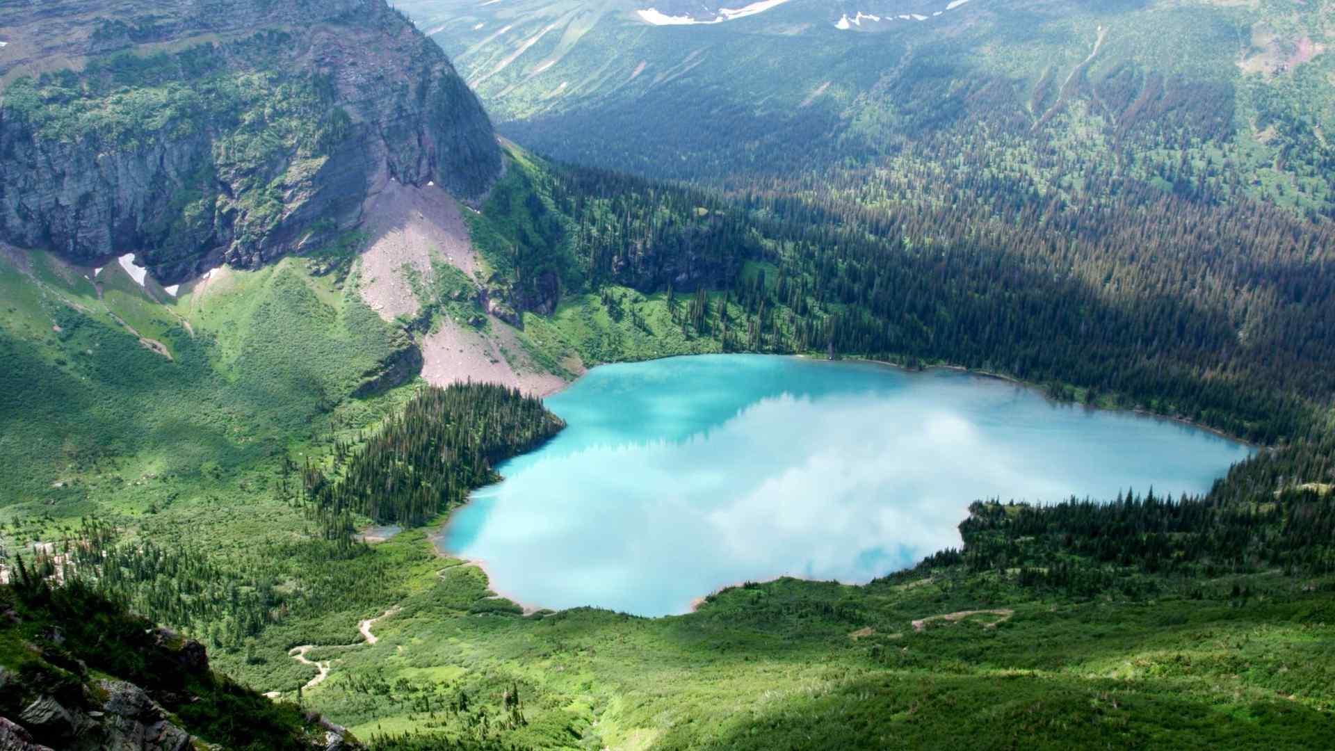 美丽的俄勒冈火山湖国家公园风景图片 -桌面天下(.com