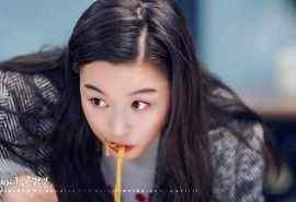 《蓝色大海的传说》全智贤吃货表情包剧照图片
