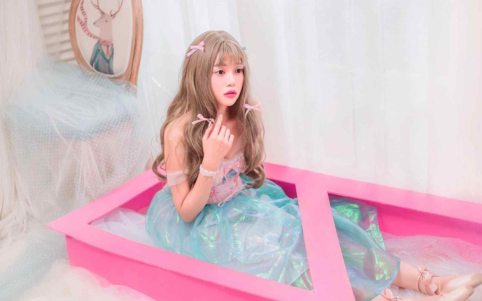 日系小清新美女梦幻写真桌面壁纸