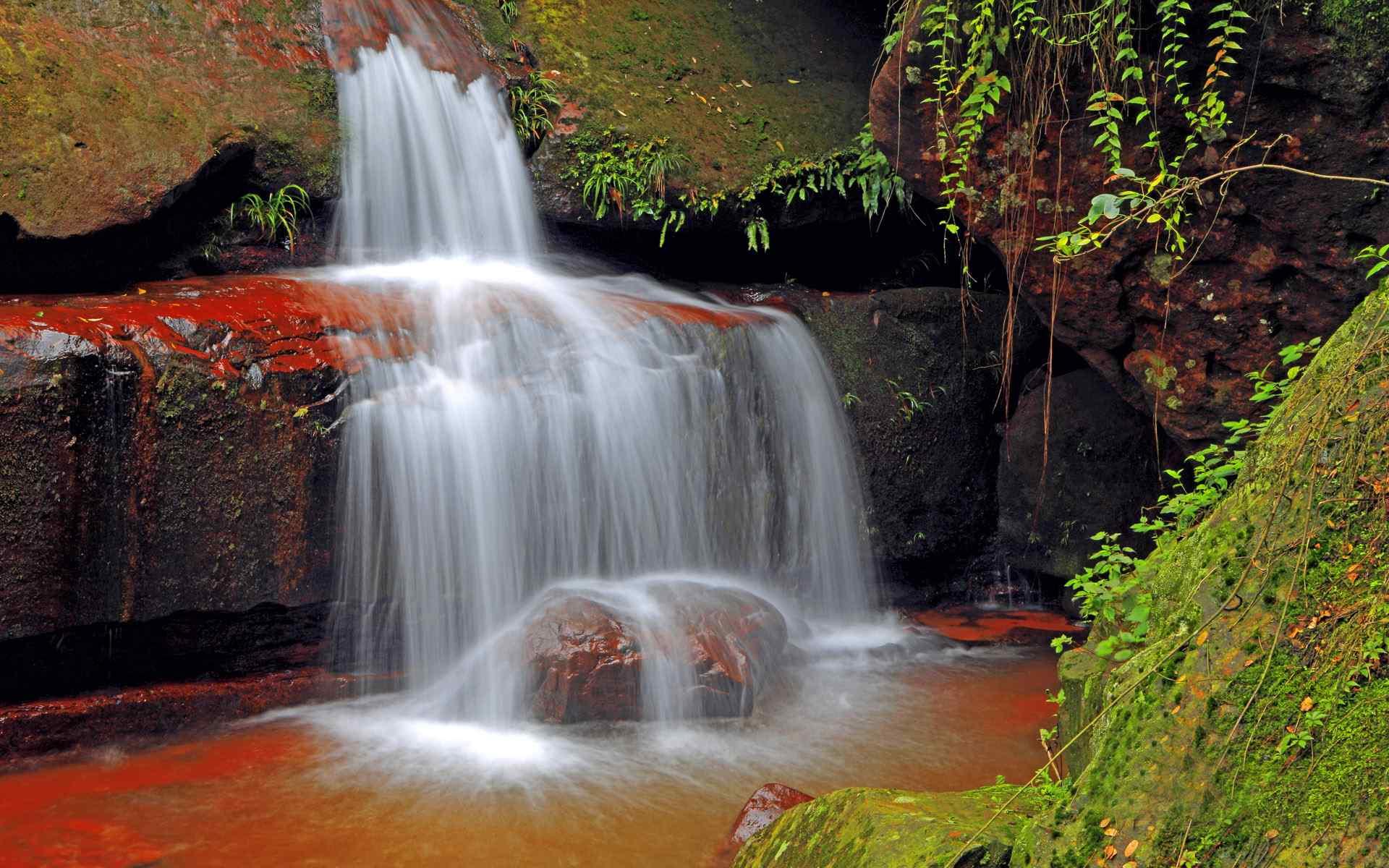 美丽瀑布风景图片高清壁纸图片