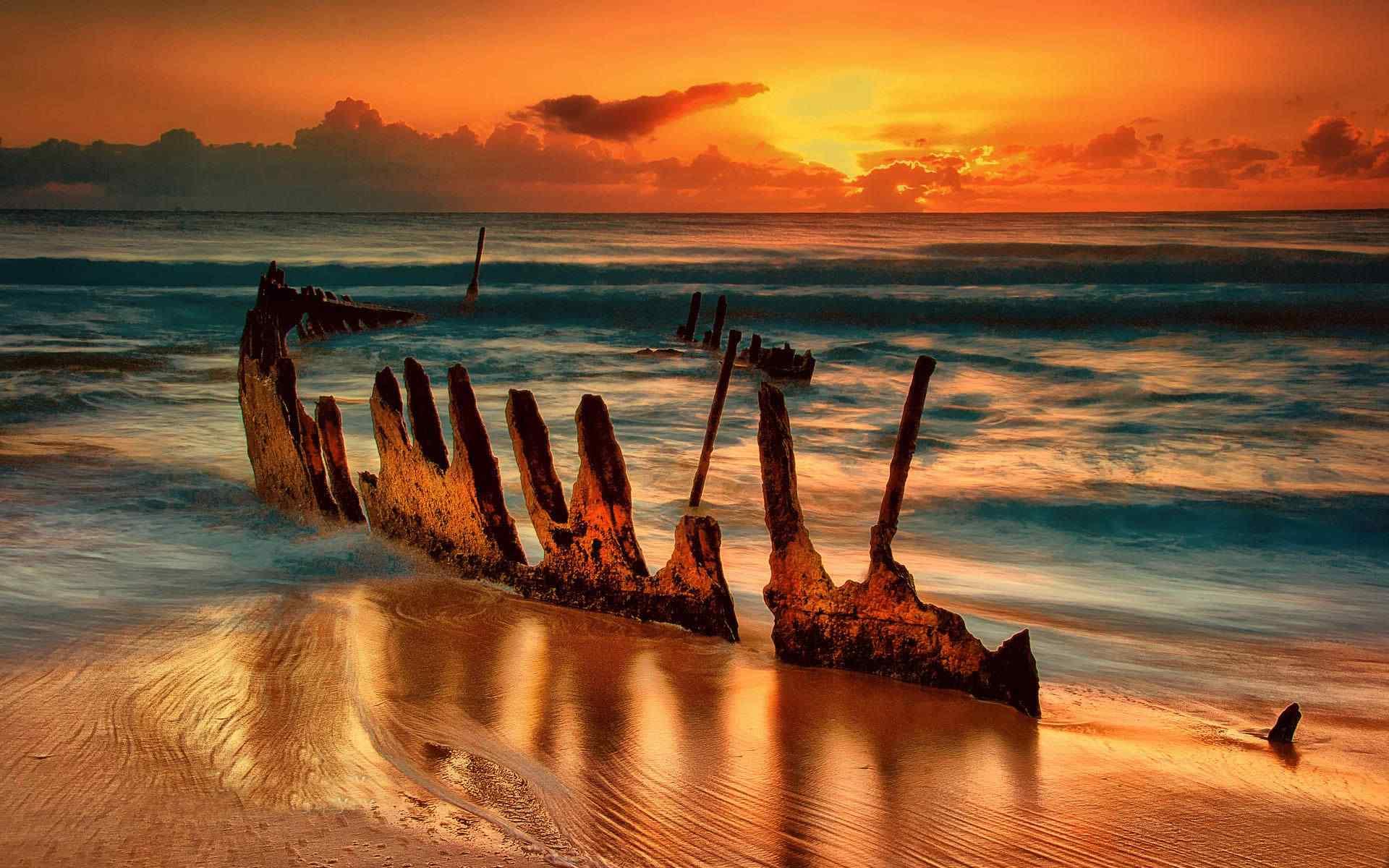 唯美的静谧的海边夕阳风景图片壁纸
