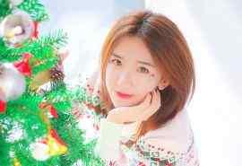 短发美女圣诞唯美