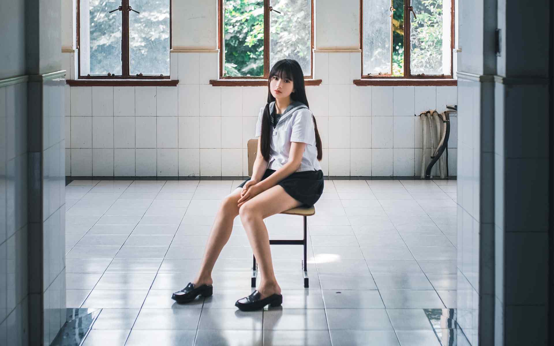日系校园美女制服唯美图片高清写真桌面壁纸