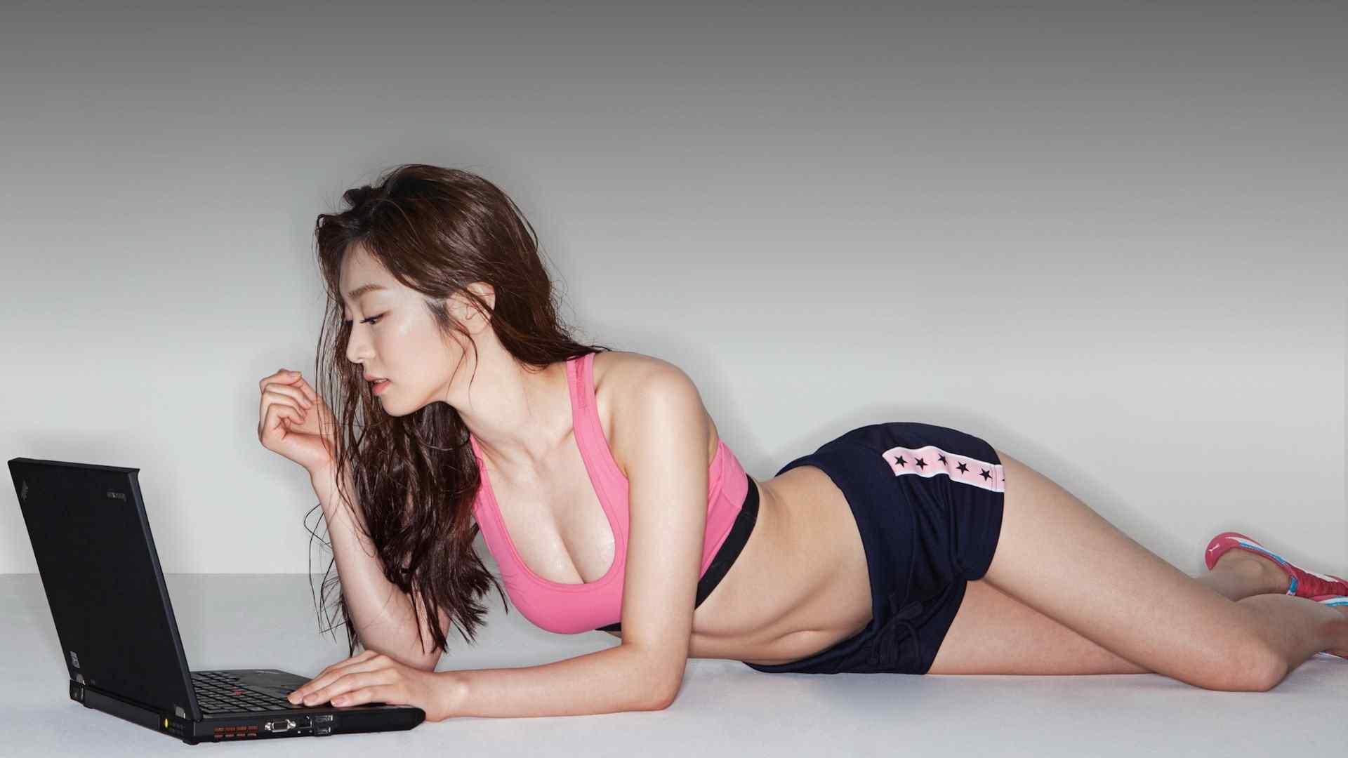 性感健身美女写真图片高清桌面壁纸