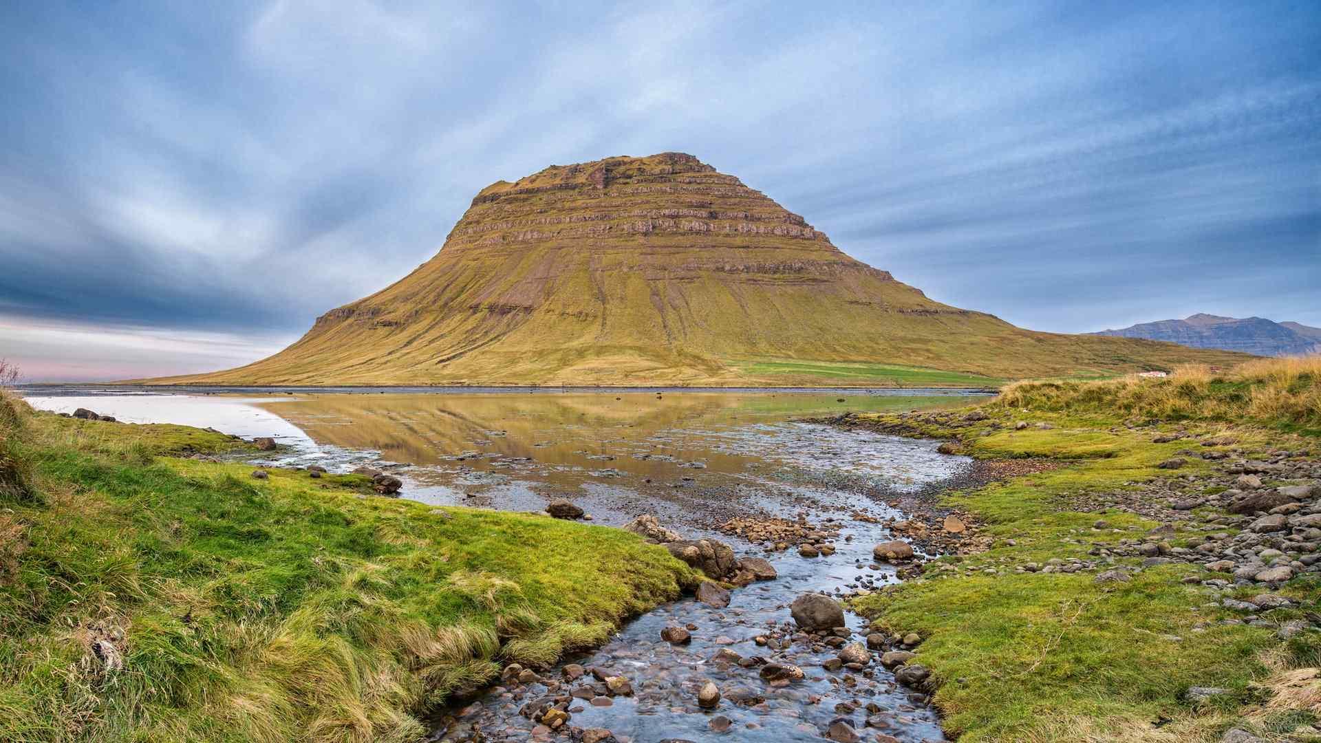 神奇的冰岛基尔丘山风景图片壁纸